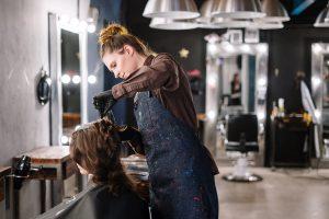 最近の美容師の思考と時給制給与の合理性