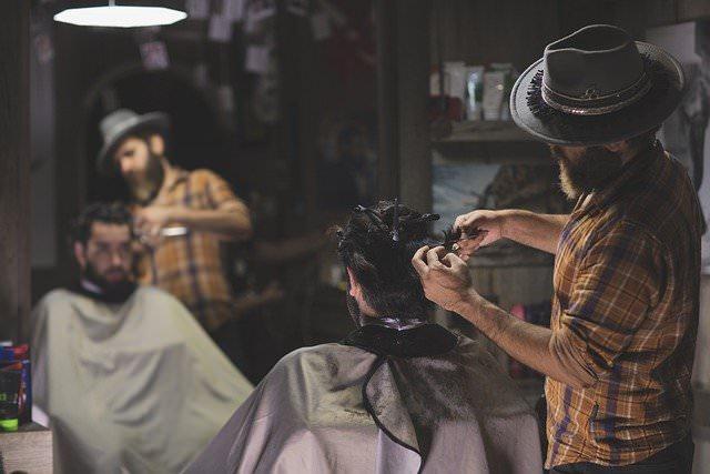 美容師が年収500万を稼ぐのは無理??【年収700万を狙うには】
