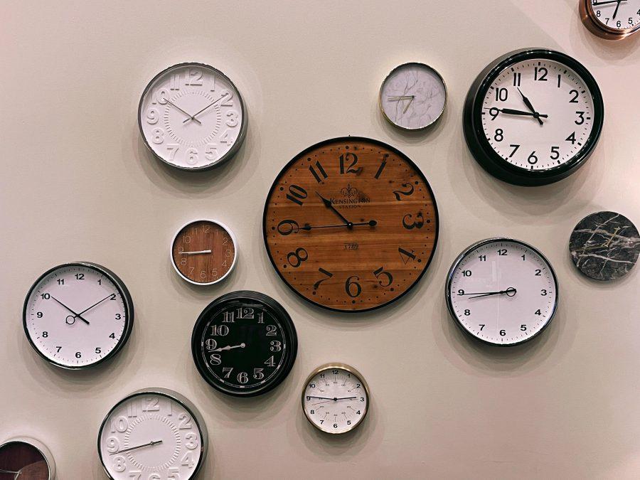 美容師の残業時間の平均は4時間08分